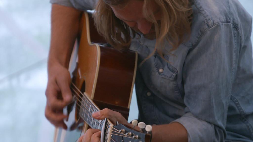 """Mit Hits wie """"Wenn jetzt Sommer wär"""" sorgte Ingo Pohlmann bei einem Livekonzert für ausgelassene Stimmung."""